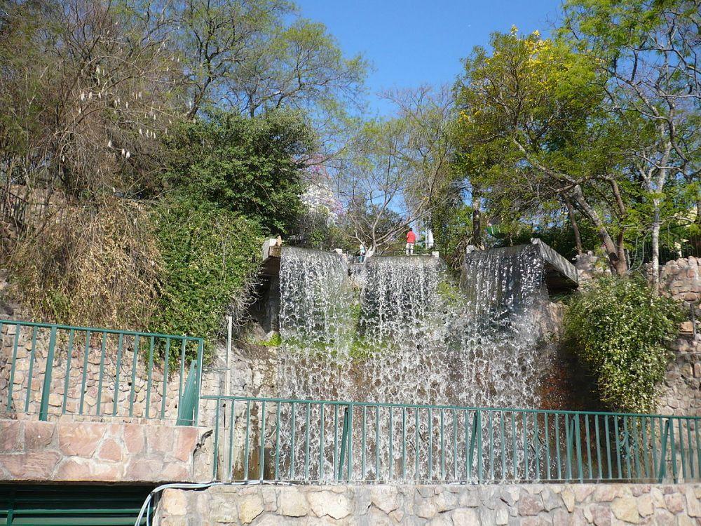 Cerro San Bernardo Cascada