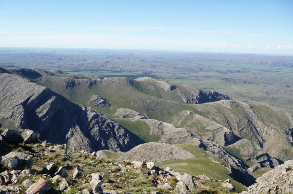 Ventana Cerro Tres Picos