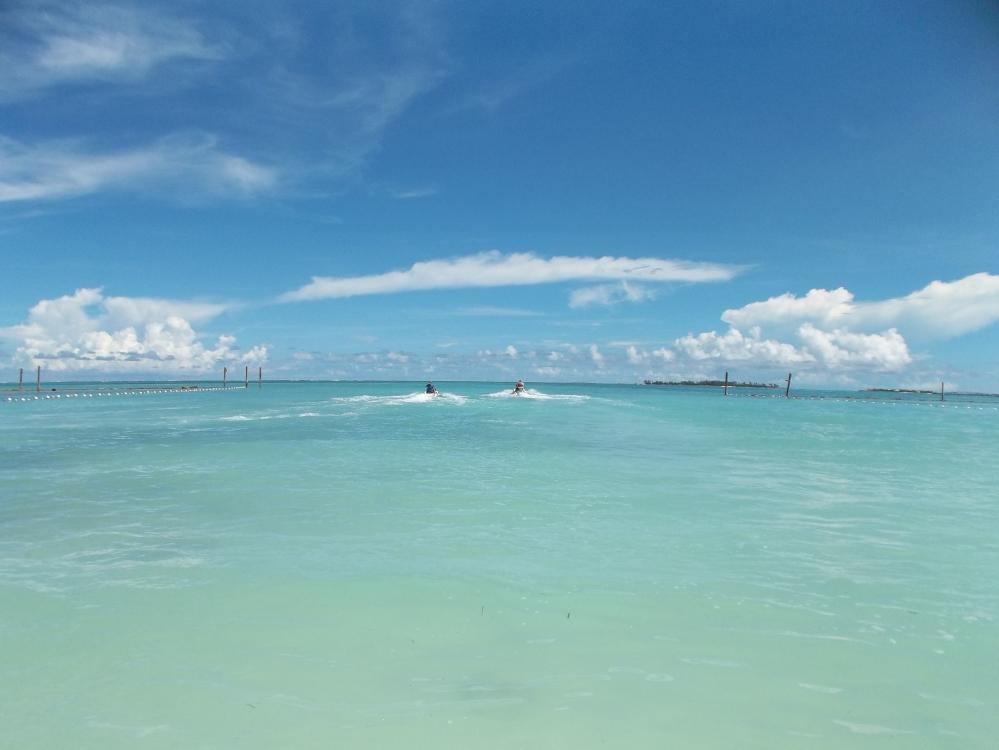 Bahamas 4