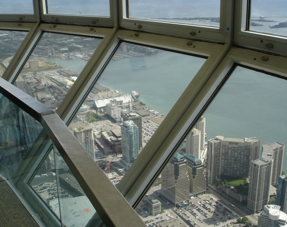 CN-Tower_Skypod