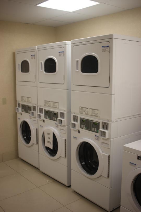 asistenteviajero-hampton-inn-laundry