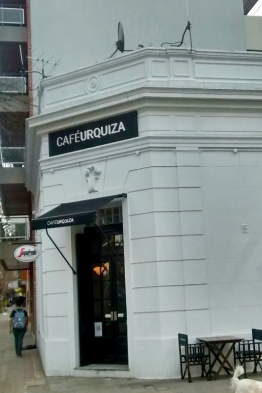 Cafe Urquiza (12).jpeg